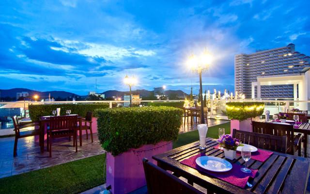 Holiday In Hua Hin, Thailand