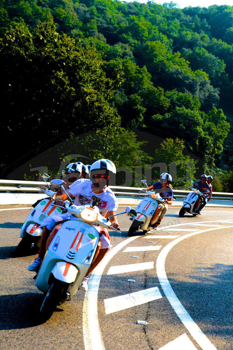 Vesping.Barcelona.Scooter.Vespa.Open.Daily.Guided.Tour 5
