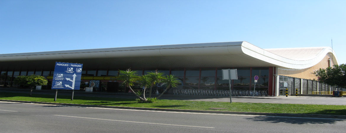 Some Good Reasons To Hire A Car At Faro Airport